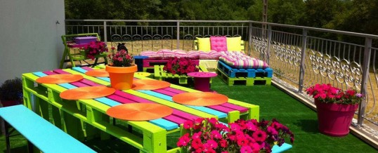 DIY: Create this Pallet Picnic Table Cheap and Easy!